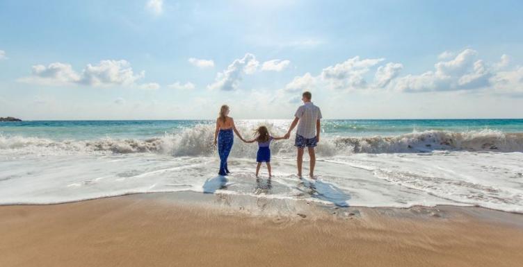 Merantau Jauh dengan Keluarga? Ini 3 Tips Pindahan ke Negeri Seberang!